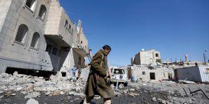 Husiler, Suudi Arabistan'daki 2 havalimanına İHA ile saldırdı