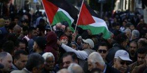 Filistin'de ABD ve İsrail Komplosu Protesto Edildi