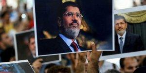 Robert Fisk: Mısır demokrasisi dün Öldü...*
