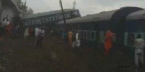 Pakistan'da iki tren kazası: 11 ölü 85 yaralı
