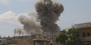 Balafirên Rûsya û Sûriyê sînorên Hema û Idlibê bombebaran dikin