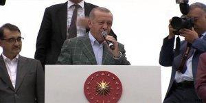 Erdoğan: Batı tehdit sallıyor, biz tehdit dinlemeyiz