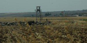 Reuters:YPG, Türkiye sınırdaki bazı noktalarda ağır silahlarını çekti