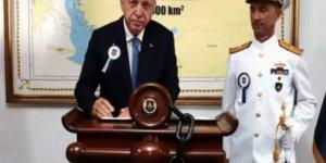 Erdoğan'ın fotoğrafına Yunan Bakan'dan tepki