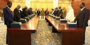 Sudan'da sivil hükümet göreve başladı