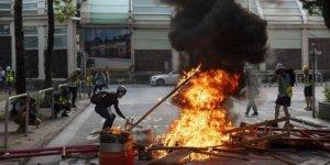 Hong Hong'da protestolar yeniden başladı