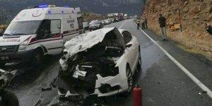 Antalya'da feci kaza: 4 ölü, 2 yaralı