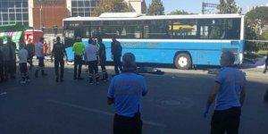 Ankara'da halk otobüsü durağa çarptı: 3 ölü