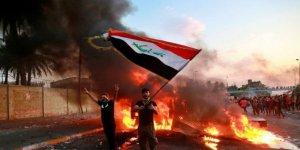 Siyasi partilerin ofislerini ateşe verdiler