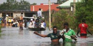 Nijerya'da sel 40 bin kişiyi yerinden etti