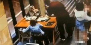 Başörtülü hamile kadına alçak saldırı -Video