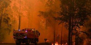 """""""Mega yangın"""" Sydney'i tehdit ediyor"""