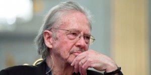 Yazarlar Sendikası: Nobel Ödülü Geri Alınmalı