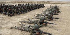 """Taliban Afgan ordusunu """"içeriden"""" vurdu"""