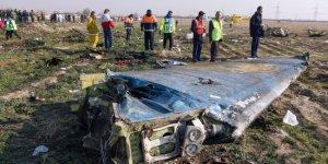 İran: Uçak havadayken alev aldı