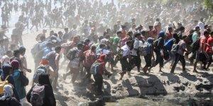 ABD'ye gitmek için yola çıkan binlerce göçmen Meksika sınırında