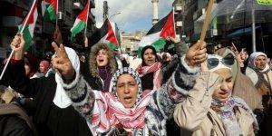 Filistinliler Kudüs, Batı Şeria ve Amman'da sokakları doldurdu
