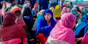 Arakanlı Müslümanları taşıyan tekne battı: En az 16 mülteci öldü