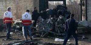 İran düşen uçağının kara kutusunu başka ülkeye vermeyecek