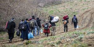 138 bin 647 düzensiz göçmen Yunanistan'a geçti