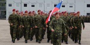 Çekya Irak'tan askerlerini çekti