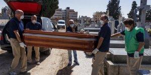 İspanya'da  812 kişi daha yaşamını yitirdi