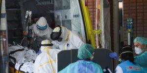 İspanya'da 1 günde 743 kişi koronavirüsten hayatını kaybetti