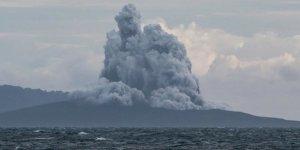 Endonezya'da Anak Krakatau Yanardağı patladı