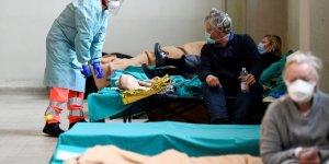 İtalya'da salgından ölenlerin sayısı 22 bin 745'e yükseldi