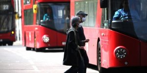 İngiltere'de son 24 saatte 888 kişi hayatını kaybetti