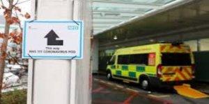 İngiltere'de  son 24 saatte 739 kişi hayatını kaybetti
