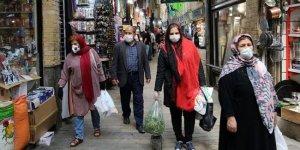 İran'da son 24 saatte koronavirüs kaynaklı 63 ölüm