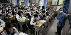 Salgının ortaya çıktığı Wuhan'da eğitime kısmen yeniden başlandı