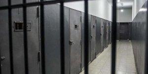 Filistinli esirlerin hesaplarının kapatılması Gazze'de protesto edildi