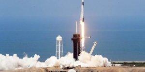 SpaceX'in ilk insanlı uzay mekiği denemesi gerçekleşti