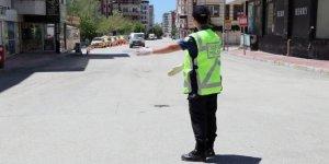 Sokağa çıkma kısıtlamasına uymayan 9 bin 877 kişiye işlem yapıldı