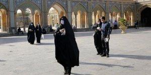 İran'da Covid-19 nedeniyle hayatını kaybedenlerin sayısı 8 bine yaklaştı