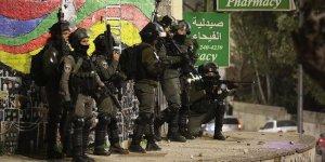 İşgal güçleri 1'i çocuk 20 Filistinliyi gözaltına aldı