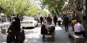 İran'da Kovid-19 kaynaklı ölümler 9 bine yaklaştı