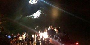 Erzincan'da bir araç nehre düştü: 4 ölü, 3 yaralı, 1 kayıp