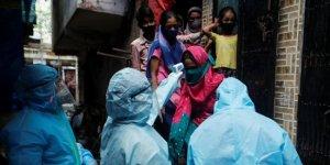 Hindistan'da son 24 saatte 2 bin 3 kişi hayatını kaybetti