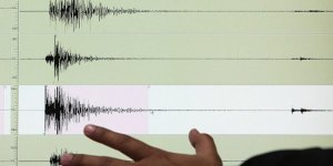 Endonezya'da 6,3 büyüklüğünde deprem
