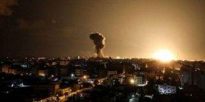Terör rejimi İsrail'den Gazze'ye hava saldırısı