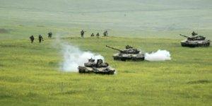 Azerbaycan: Ermenistan'a ait müstahkem mevkiyi vurduk