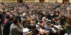 Mısır Parlamentosu'ndan Libya tezkeresine onay