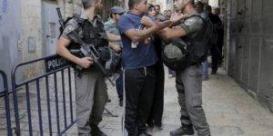 Yüzlerce Barbar Yahudi Mescid-i Aksa'ya Baskın Düzenledi