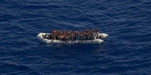 Fas sınırından İspanya'ya  göçmen akını