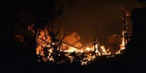Yunanistan'ın Midilli Adası'ndaki sığınmacı kampında yangın çıktı