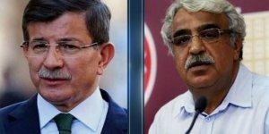 Davutoğlu, Sancar'ı aradı: Operasyon hukuki değil