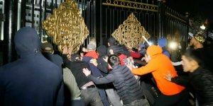 Kırgızistan'da İsyan Var